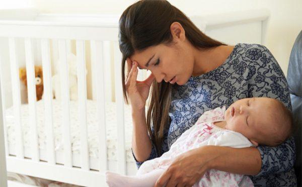 Triệu chứng của trầm cảm sau sinh như thế nào? 1