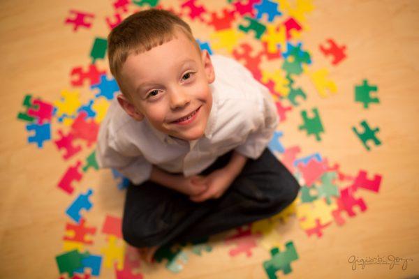 Dấu hiệu tự kỷ ở trẻ dễ nhận biết