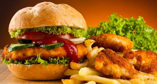 Thức ăn nhanh không tốt cho sức khỏe người bệnh mang bệnh lý trầm cảm