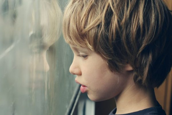 Biểu hiện tự kỷ ở trẻ em