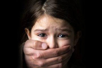 Trẻ em có thể tìm kiếm sự trợ giúp về mặt tâm lý và pháp lý ở đâu?